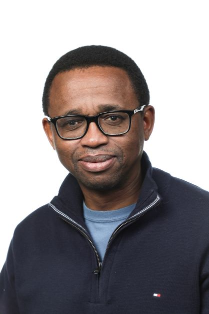 Dr Solomzi Makohliso