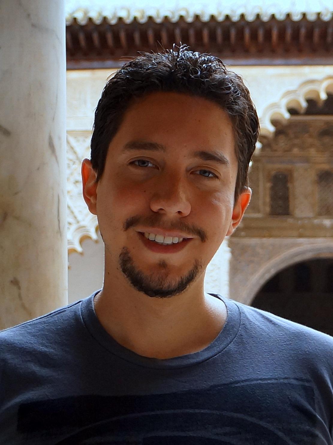 Dr Mario Chavarria